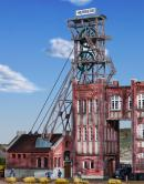 Модель здания шахты с машинным залом и оборудованием рабочим для опускания/поднимания-клети,угля и т.п.Пр-во KIBRI.Арт.49845.Масштаб НО (1:87).