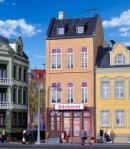 Модель жилого дома с магазином мороженного и пекарней в Düsseldorf.Пр-во KIBRI.Арт.38393.Масштаб НО (1:87).