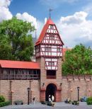 Модель части средневековой стены с жилой фахверковой башней и воротами.Пр-во KIBRI.Арт.38914.Масштаб НО (1:87).