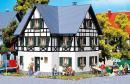 Модель двухсемейного фахверкового дома.Пр-во FALLER.Арт.130259.Масштаб НО (1:87).