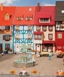 Модель 2-х небольших городских домов с эркером.Пр-во FALLER.Арт.130495.Масштаб НО (1:87).