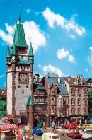 Модель городской башни Martinstor городе Freiburg.Пр-во FALLER.Арт.130922.Масштаб НО (1:87).