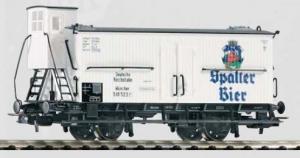 Модель 2-х осного вагона с будкой для перевозки пива.Пр-во PIKO.Арт.54227.Масштаб НО (1:87).