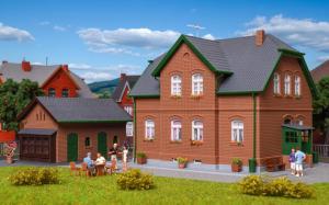 Модель производственного 2-х этажного дома в Bottrop с пристройкой.Пр-во KIBRI.Арт.38192.Масштаб НО (1:87).