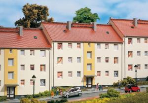 Модель многосемейного жилого дома.Пр-во Аухаген.Арт.11402.Масштаб НО (1:87).