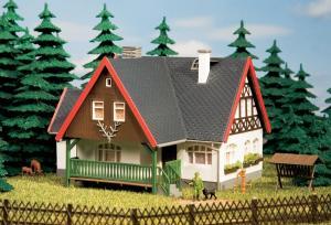 Модель лесного дома.Пр-во Аухаген.Арт.12225.Масштаб НО-ТТ (1:87-1:120).