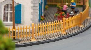 Модель комплекта деревянного забора из штакетника длиной 1060мм (1.06м).Пр-во FALLER.Арт.180415.Масштаб НО (1:87).