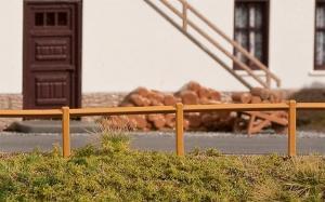 Модель комплекта деревянного забора длиной 1242мм (1.24м).Пр-во FALLER.Арт.180427.Масштаб НО (1:87).