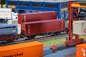 Модель 40-футового контейнера компании XTRA.Пр-во FALLER.Арт.180850.Масштаб НО (1:87).