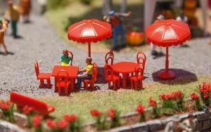 Модель пластиковой садовой мебели.Пр-во FALLER.Арт.180910.Масштаб НО (1:87).
