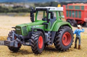 Модель трактора FENDT Vario Favorit 926.Пр-ва KIBRI.Арт.12265.Масштаб НО (1:87).