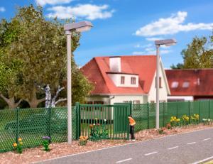 Модель ограждения из зеленого забора и ворот длиной 2.8м.Пр-во KIBRI.Арт.38603.Масштаб НО (1:87).