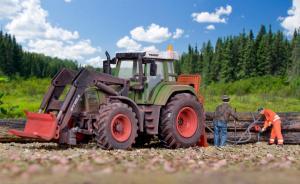 Модель трактора FENDT с оборудованием для фронтальной погрузки леса,защитой сзади,и стволами деревьев.Пр-ва KIBRI.Арт.12246.Масштаб НО (1:87).