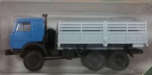 Модель КАМАЗ 4310 с двойной кабиной,борт высокий с грузом.Пр-во MINITANKS.Масштаб 1:87 (НО).