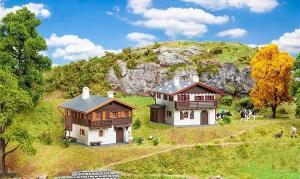 Модель сета 2-х альпийских домов Aktions-Set Alpenhäuser.Пр-во FALLER.Арт.190162.Масштаб НО (1:87).