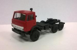 Модель КАМАЗ 4410 ( 6*6 ) вариант седельного тягача с одинарной кабиной красной.Пр-во MINITANKS.Масштаб 1:87 (НО).