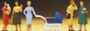 Сет стоящие женщины с детьми и коляской.Фирма PREISER 10024.Масштаб НО (1:87).