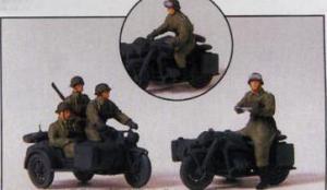 Сет с 5-тью фигурками мотоциклистов и 2-мя мотоциклами с колясками (некрашенные).Фирма PREISER Арт.16575.Масштаб НО (1:87).