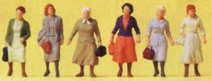 Сет женщины из пригорода на пути к ж/д вокзалу.Фирма PREISER.Арт.14085.Масштаб НО (1:87).
