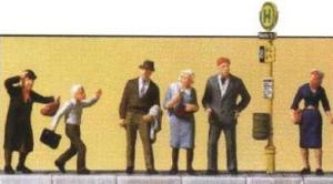 Сет ждущие на остановке трамвая пассажиры.Фирма PREISER.Арт.10414.Масштаб НО (1:87).