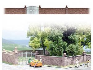 Модель каменной стены с воротами.Фирма BUSCH.Арт.6014.Масштаб НО (1:87).