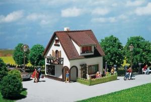 Модель дома со слуховым окном.Производство FALLER.Арт.130200.Масштаб НО (1:87).