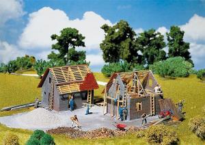 Модель небольшого строящегося дома.Пр-во FALLER.Арт.130246.Масштаб НО (1:87).
