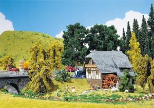Модель небольшого дома из Шварцвальда.Пр-во FALLER.Арт.130387.Масштаб НО (1:87).