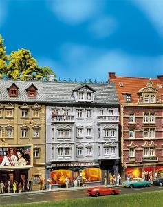 Модель городского дома с пиццерией Alfredo.Пр-во FALLER.Арт.130446.Масштаб НО (1:87).