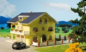 Модель здания дома Siena.Пр-во FALLER.Арт.130393.Масштаб НО (1:87).