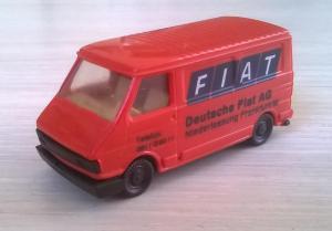 Модель микроавтобуса FIAT 242.Пр-во PRALINE.Масштаб НО (1:87).