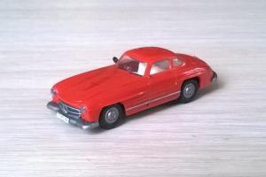 Модель автомобиля MB 300SL.Пр-во PRALINE.Масштаб НО (1:87).