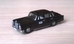 Модель автомобиля MB 220.Пр-во PreP.Масштаб НО (1:87).