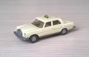 Модель автомобиля MB 200Taxi.Пр-во WIKING.Масштаб НО (1:87).