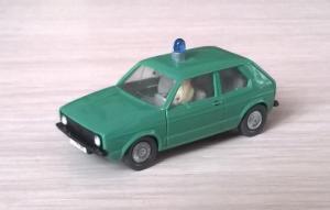 Модель автомобиля VW Golf с водителем.Пр-во WIKING.Масштаб НО (1:87).