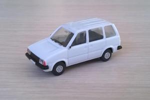 Модель автомобиля Mitsubishi Prarie.Пр-во SMER.Масштаб НО (1:87).