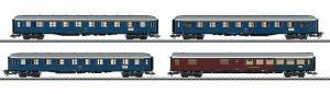 Модель 4-х вагонного сета пассажирских вагонов скорого поезда