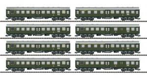 Модель 8-ми вагонного сета пассажирских региональных вагонов.Пр-во ТRIX.Арт.23437.Масштаб НО (1:87).