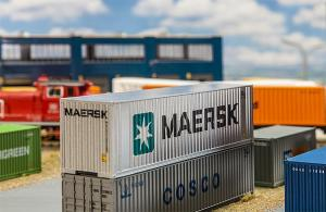 Модель 40-футового контейнера компании MAERSK.Пр-во FALLER.Арт.180840.Масштаб НО (1:87).