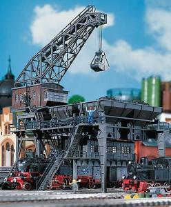 Модель большой угольной загрузки для паровозов.Пр-во FALLER.Арт.120148.Масштаб НО (1:87).