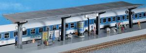 Модель перрона с крышей,подземными переходами,расписанием и др.Пр-во FALLER.Арт.120201.Масштаб НО (1:87).