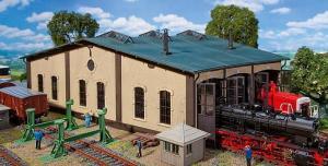 Модель трехстойлового локомотивного депо.Пр-во FALLER.Арт.120277.Масштаб НО (1:87).