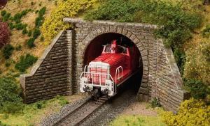 Модель комплекта для строительства однопутного туннельного портала.Пр-во FALLER.Арт.120558.Масштаб НО (1:87).