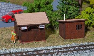 Модель деревянного туалета и домика для ожидания Stugl-Stuls.Пр-во FALLER.Арт.130182.Масштаб НО (1:87).