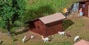Модель деревянного барака для животных Stugl-Stuls.Пр-во FALLER.Арт.130183.Масштаб НО (1:87).