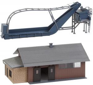 Модель погрузчика с бункером,и склада для хранения.Пр-во FALLER.Арт.130184.Масштаб НО (1:87).