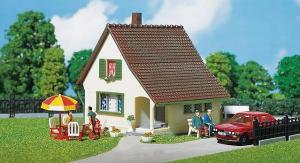 Модель односемейного дома.Пр-во FALLER.Арт.130204.Масштаб НО (1:87).
