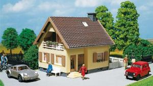 Модель односемейного дома.Пр-во FALLER.Арт.130205.Масштаб НО (1:87).
