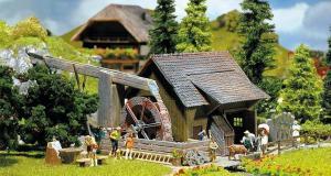 Модель старинной водяной мельницы.Пр-во FALLER.Арт.130225.Масштаб НО (1:87).
