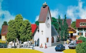 Модель небольшой деревенской церкви.Пр-во FALLER.Арт.130236.Масштаб НО (1:87).